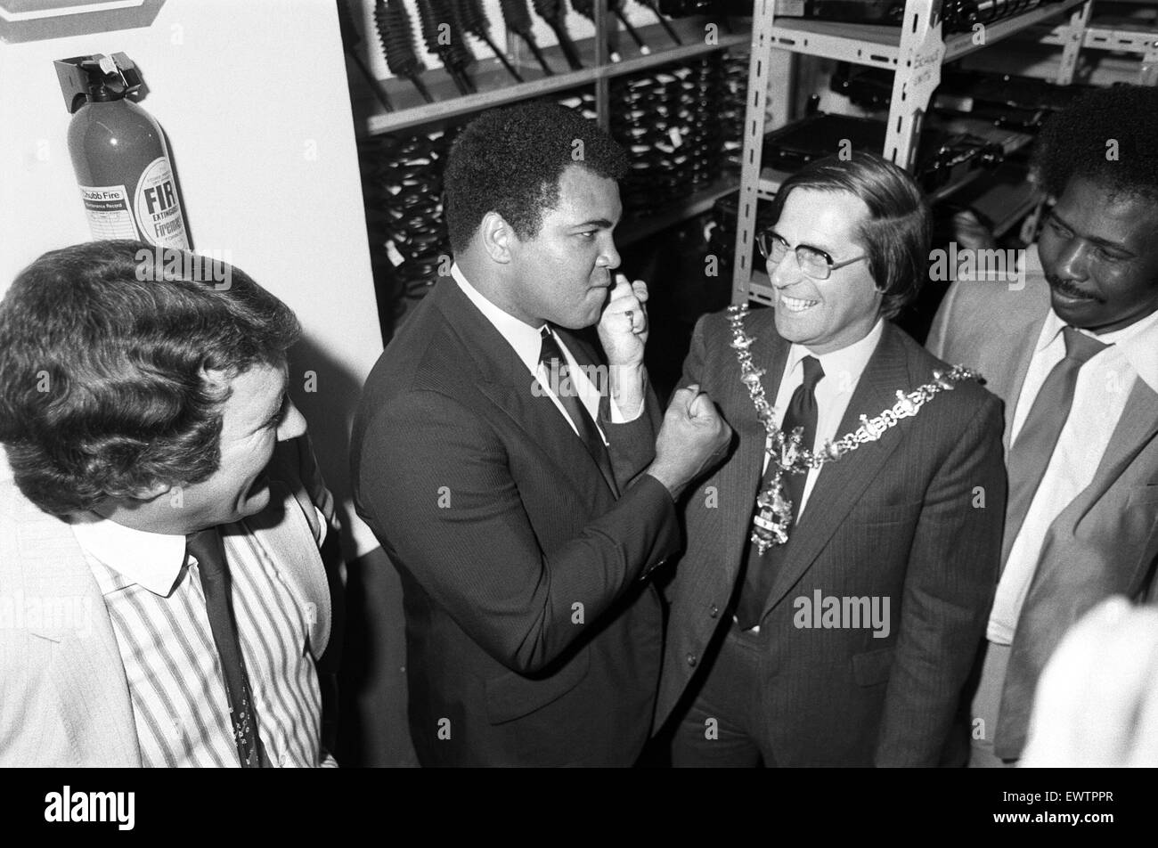Muhammad Ali meets the Mayor of Dudley. 11th August 1983 - Stock Image