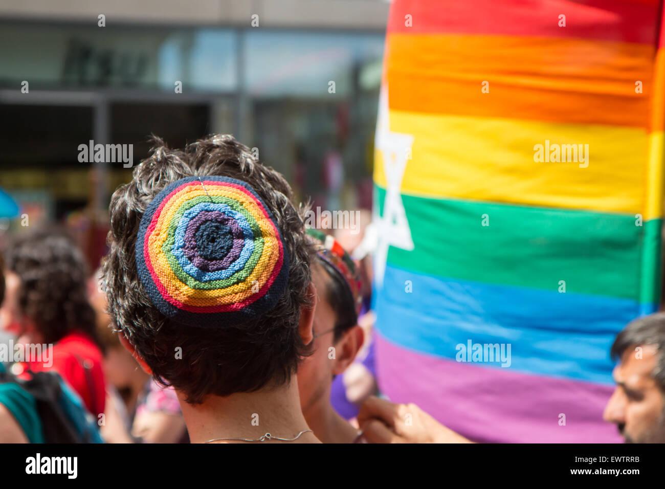 Head wearing skullcap/kippah at Pride in London 2015 - Stock Image