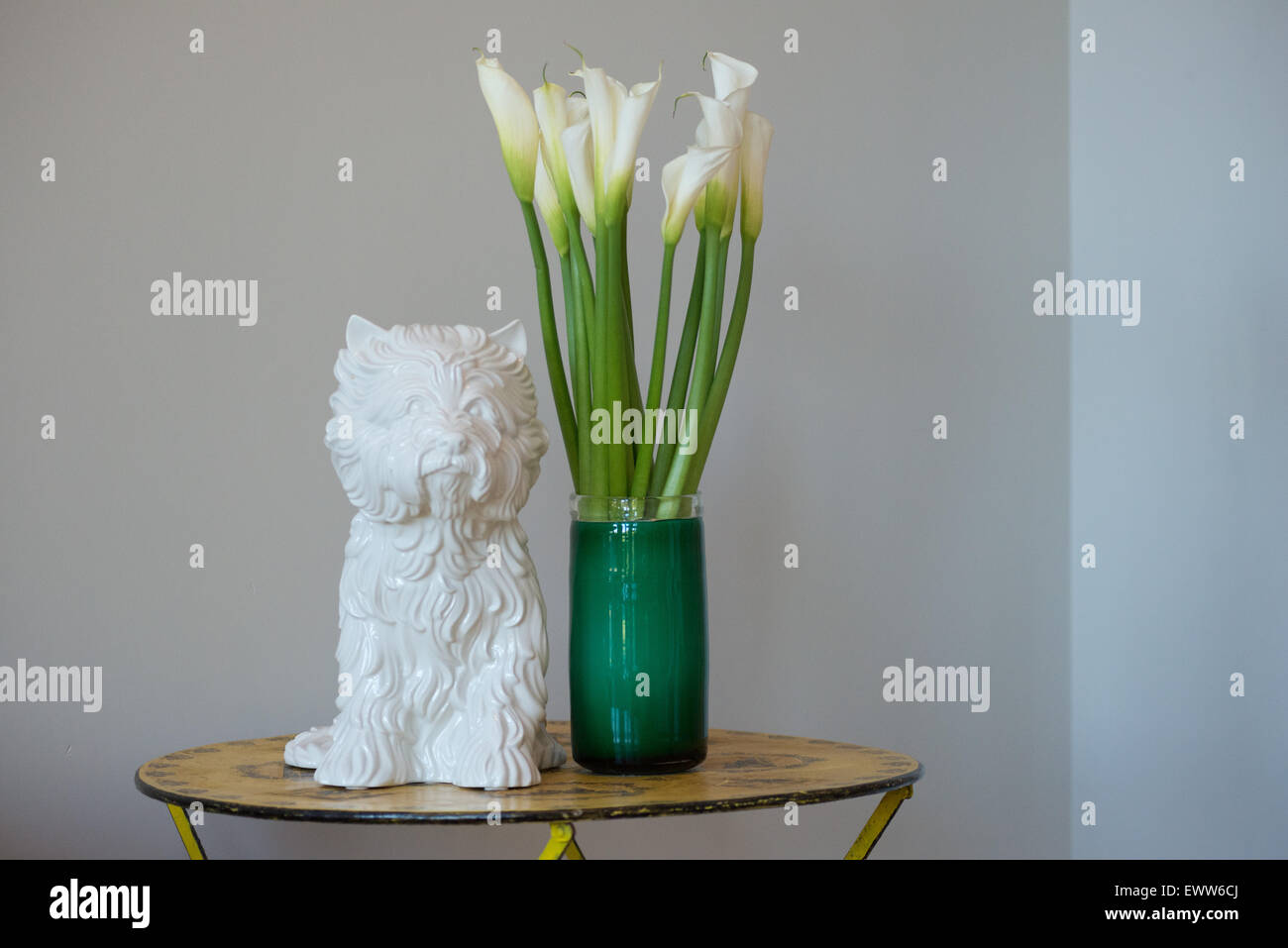 White Porcelain Cat Calla Lily Flower Vase Table Stock Photo