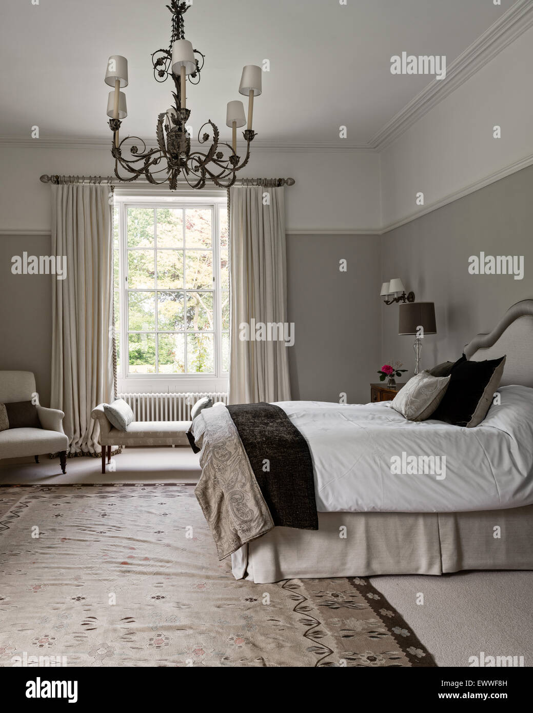 Beau Elegant Bedroom Painted In Pale Walnut By Dulux With An Aubusson Rug. The  Curtains Are In Abbot And Boydu0027s Lins Brodes