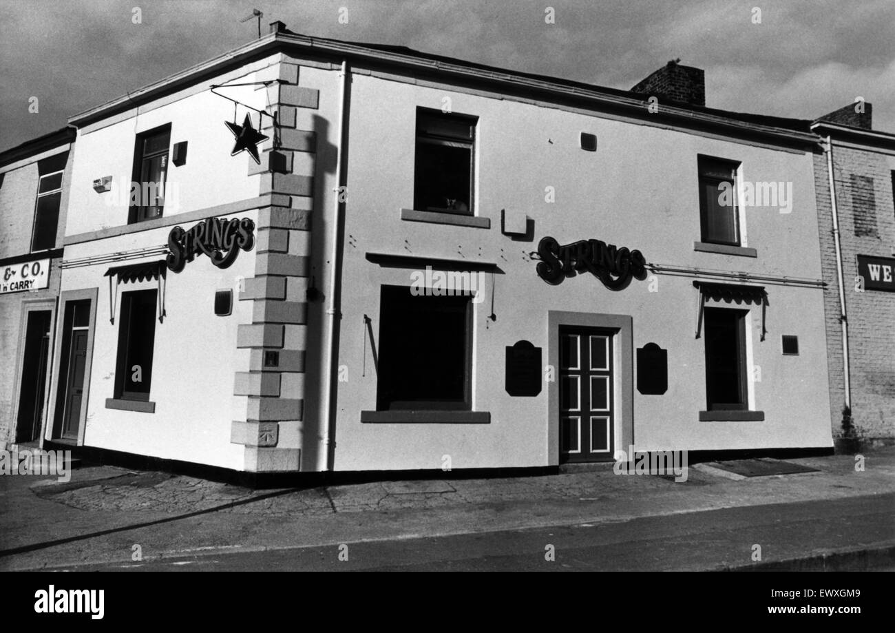 Strings, Public House, Newcastle, 15th April 1988. - Stock Image