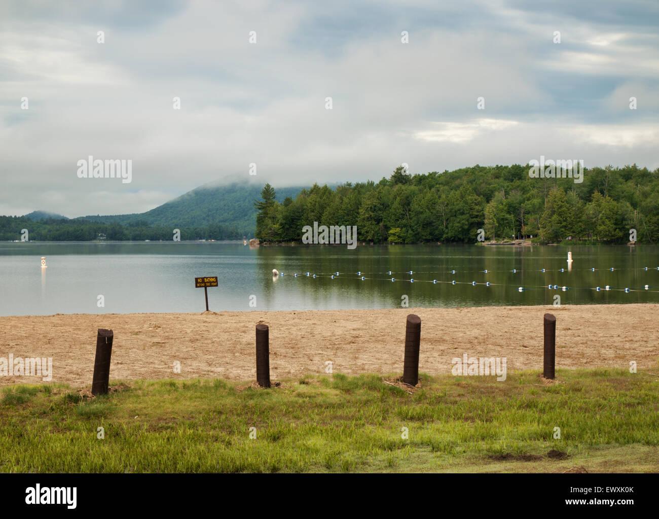Moffitt Beach on Sacandaga Lake in the Adirondack State Park, New York - Stock Image