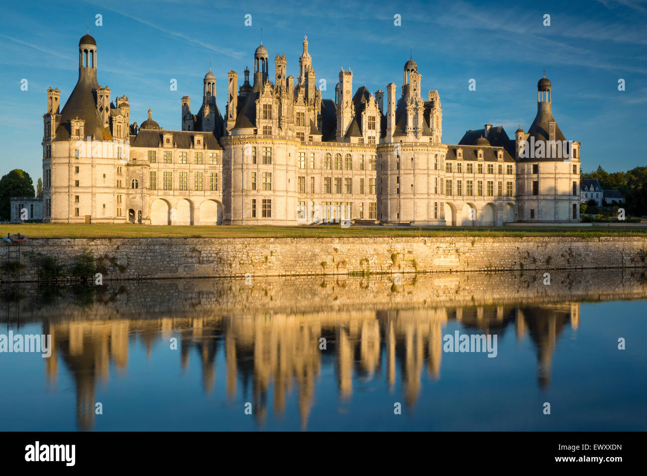 Sunset over the massive, 440 room, Chateau de Chambord, Loire-et-Cher, France - Stock Image