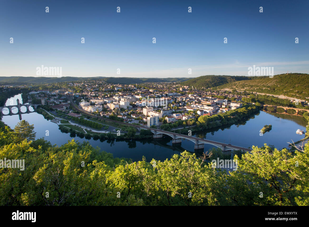 Town of Cahors from Mount Saint-Cyr with Pont Valentre crossing River Lot. Midi-Pyrenees, France - Stock Image
