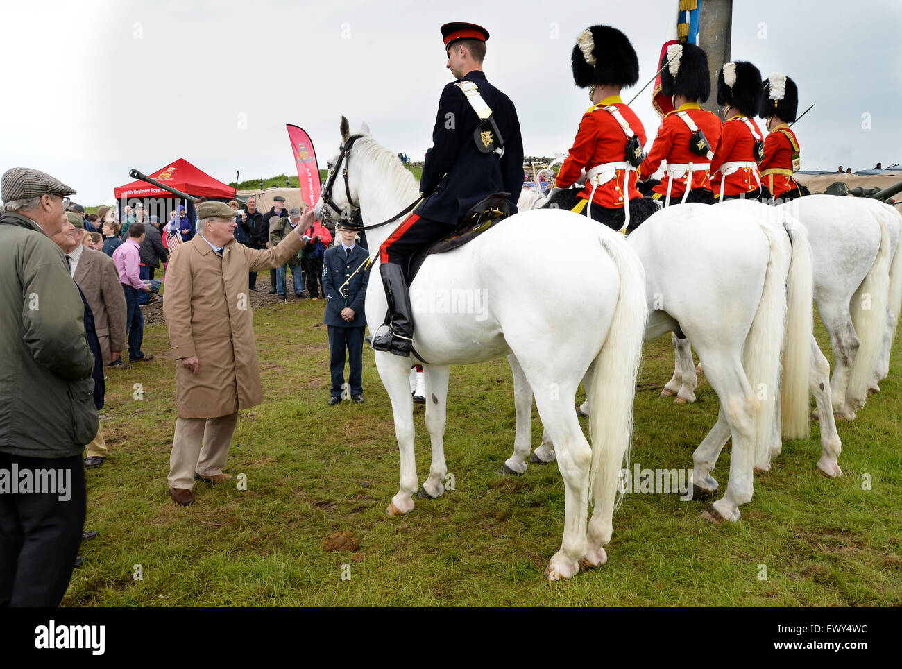 The Duke of Gloucester inspecting the Colour Party of the Royal Scots Dragoon Guards at Penielheugh in the Scottish - Stock Image