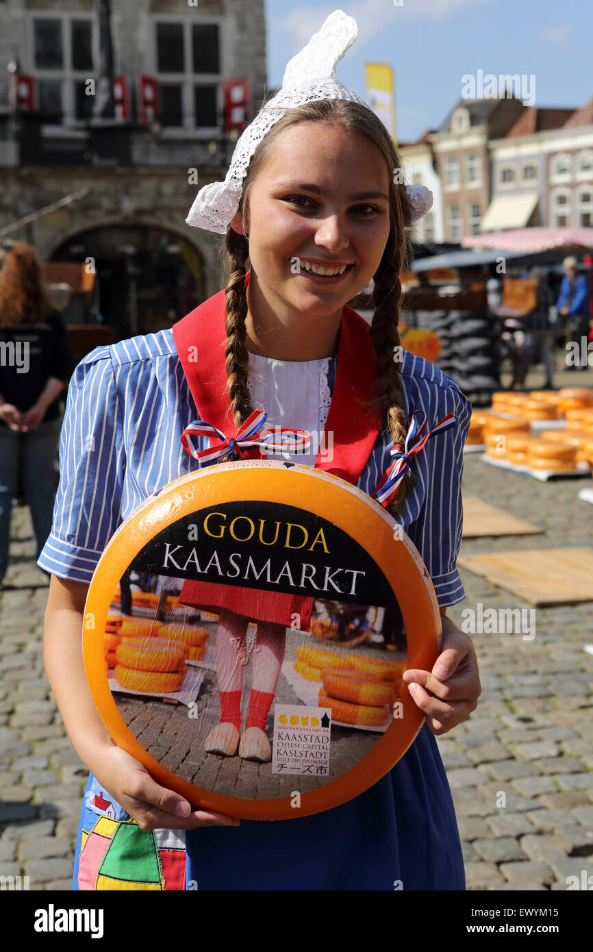 A smiling woman in a traditional Dutch costume at Gouda Cheese Market in Gouda the Netherlands.  sc 1 st  Alamy & A smiling woman in a traditional Dutch costume at Gouda Cheese ...