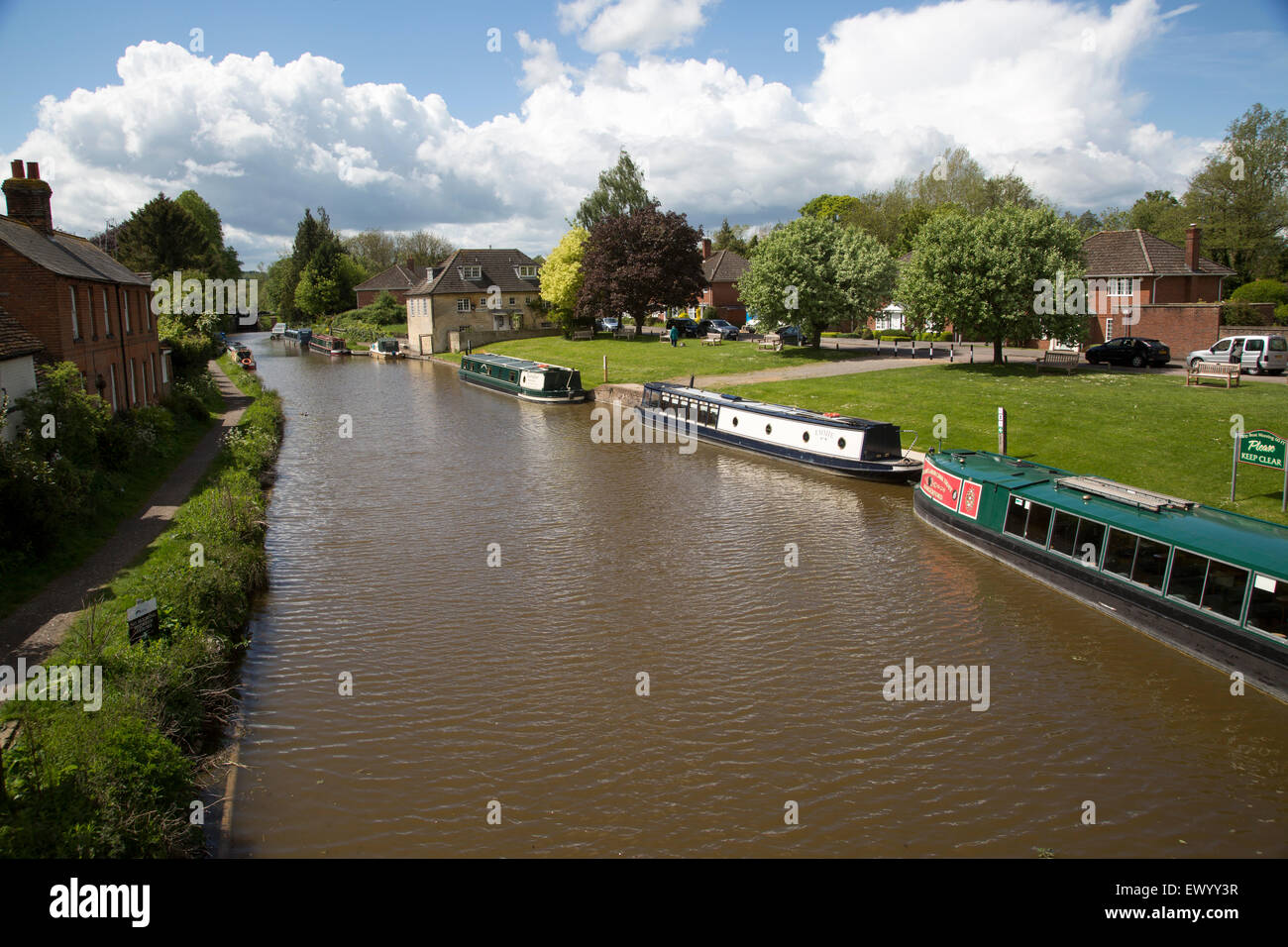 Narrow boats on the Kennet and Avon canal, Hungerford, Berkshire, England, UK - Stock Image