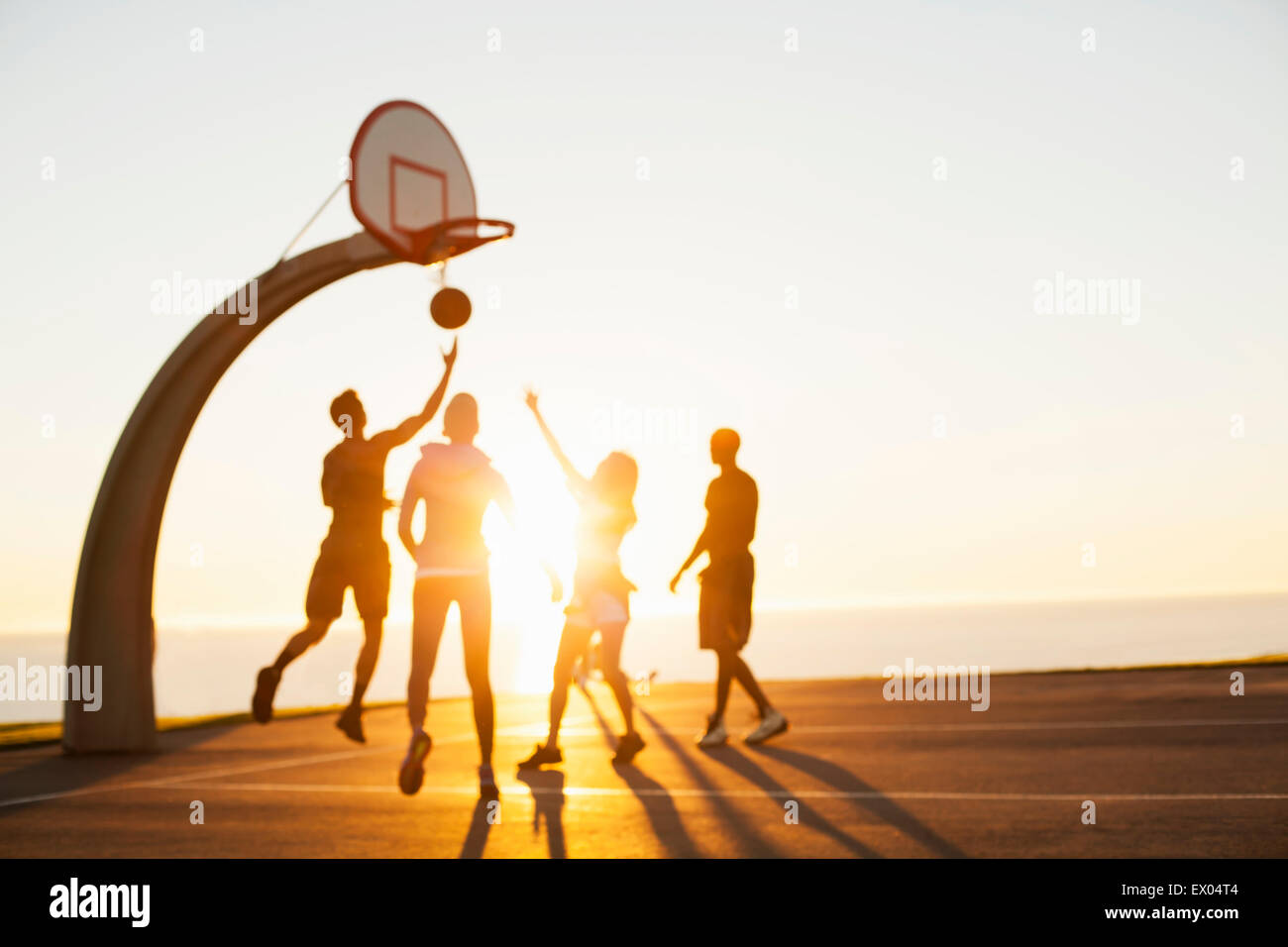 Friends Playing Basketball High Resolution Stock Photography And Images Alamy