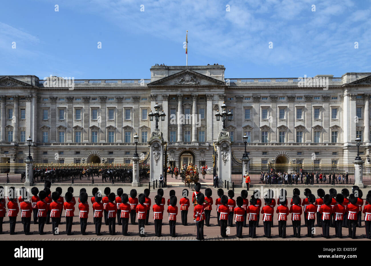 State Opening of Parliament on 27/05/2015 at Buckingham Palace, London. xxxxx.  Picture by Julie Edwards - Stock Image