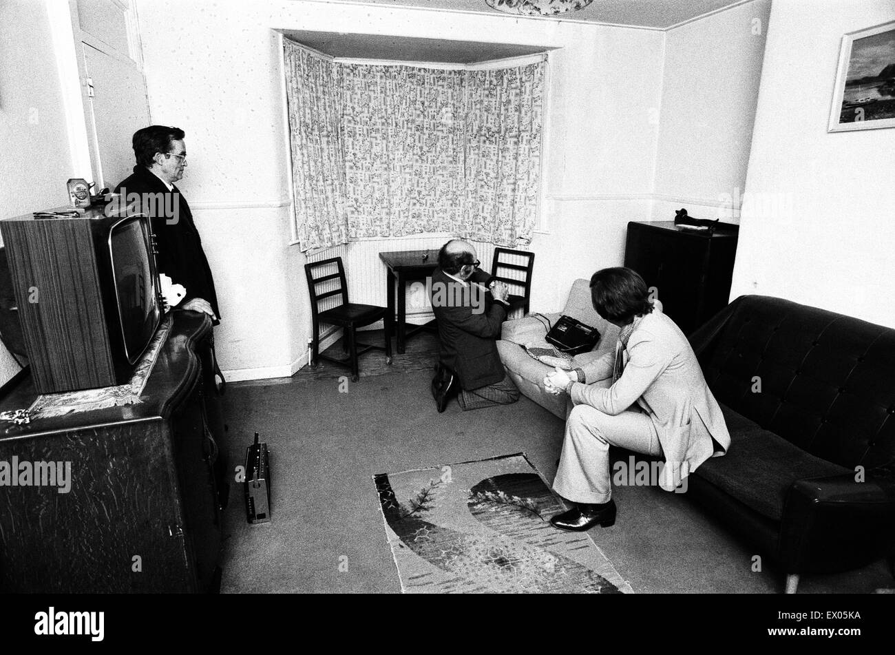 Enfield Poltergeist. Goings on at the Hodgson household in Green Street, Enfield. Paranormal Investigator Maurice - Stock Image