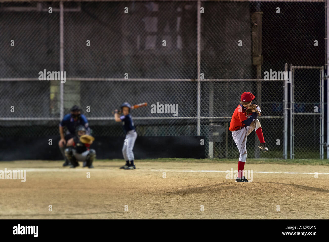 Little League baseball game at night, Delaware, USA - Stock Image
