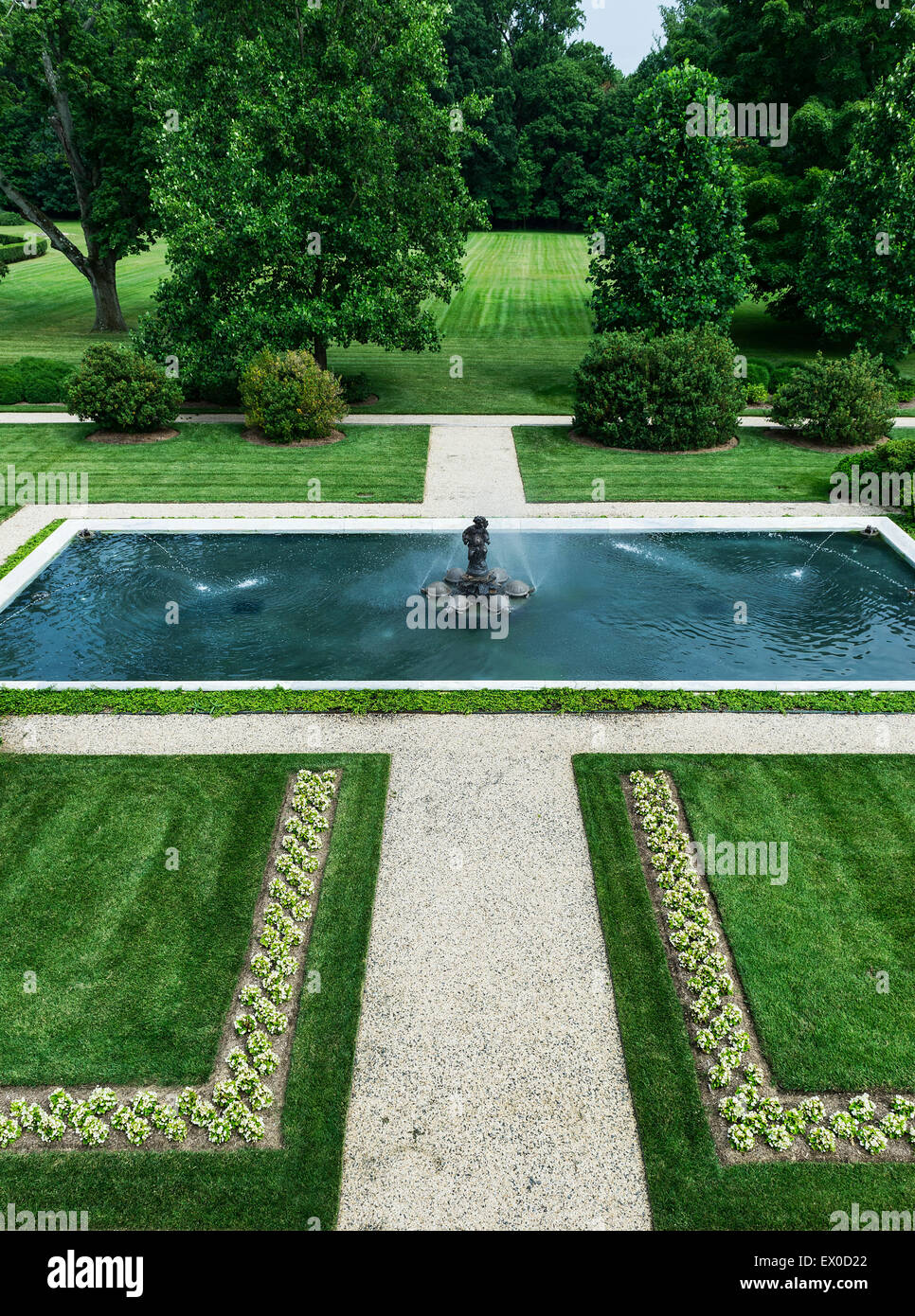 Fountain pool, Nemours Mansion and Gardens, Wilmington, Delaware, USA - Stock Image