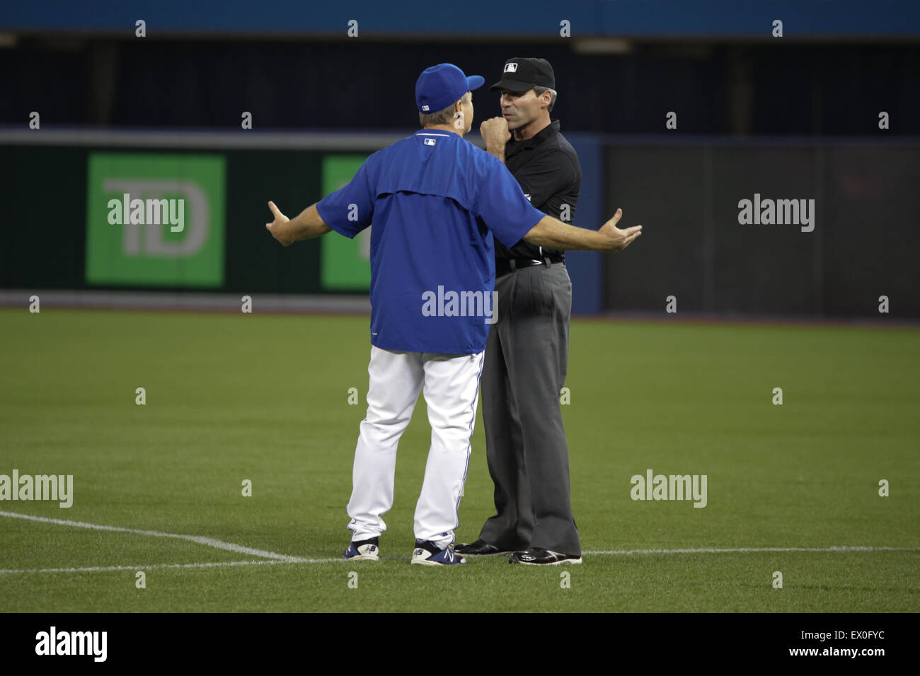 Blue jays manager John Gibbons argue official baseball game - Stock Image