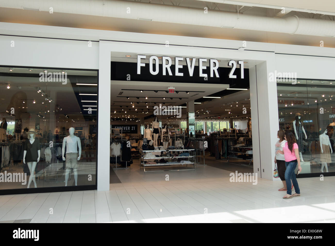 forever 21 store - Stock Image