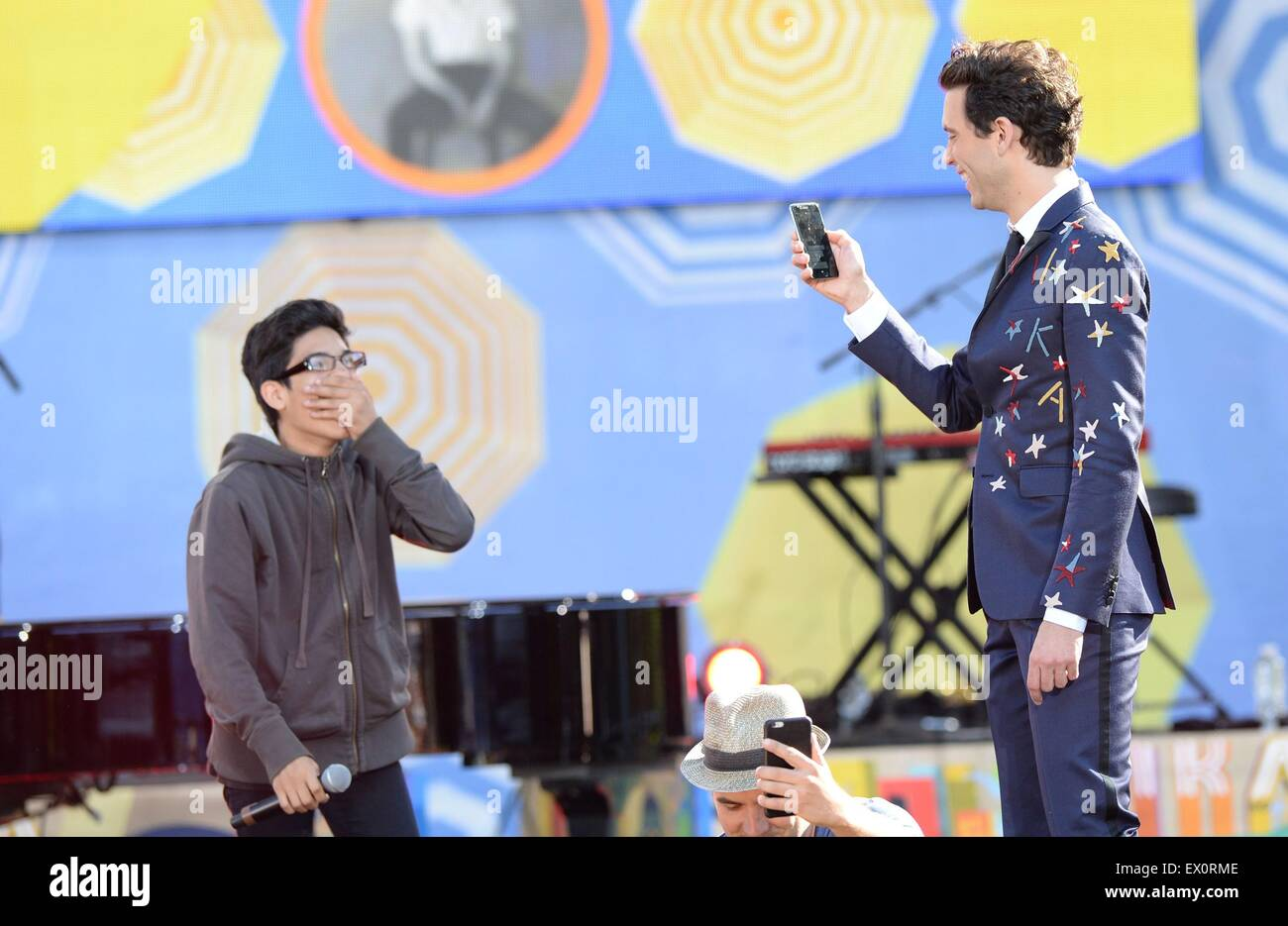New York, NY, USA. 3rd July, 2015. Ozzie, Mika on stage for ABC's Good Morning America (GMA) Fun in the Sun - Stock Image