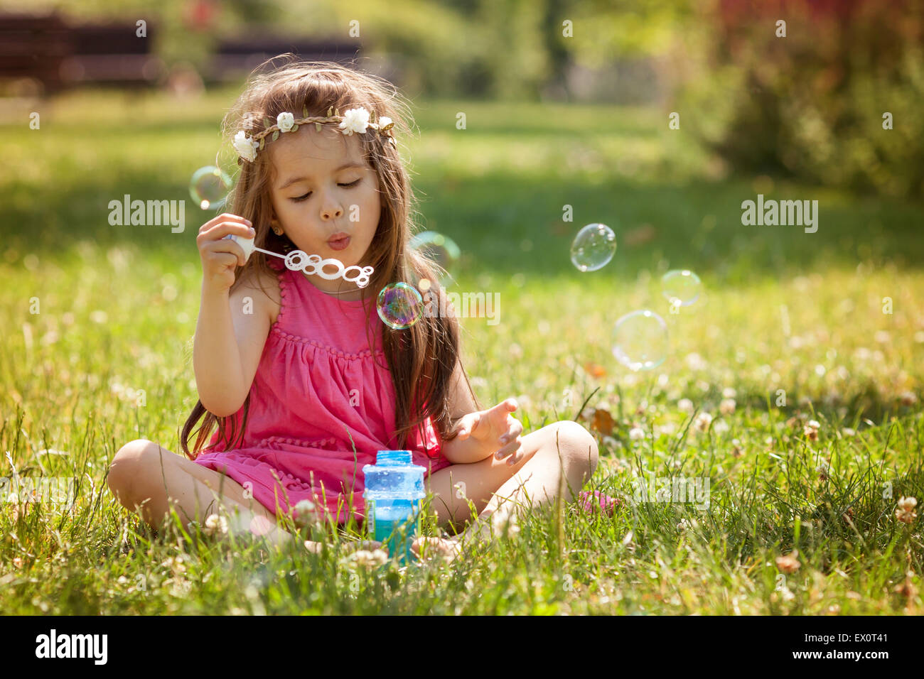 photo How to Blow a Soap Bubble