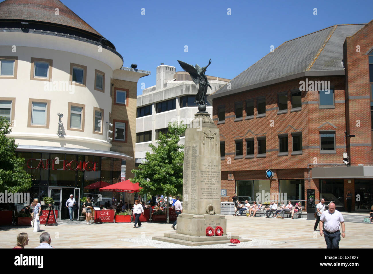 WOKING TOWN SQUARE CENTRE SURREY UK CAFE ROUGE - Stock Image