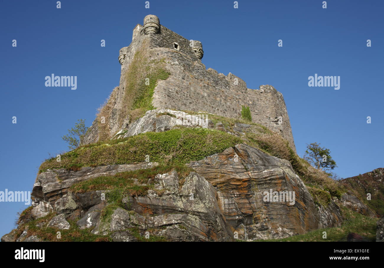 Castle Tioram is a ruined castle that sits on the tidal island Eilean Tioram in Loch Moidart, Lochaber. - Stock Image