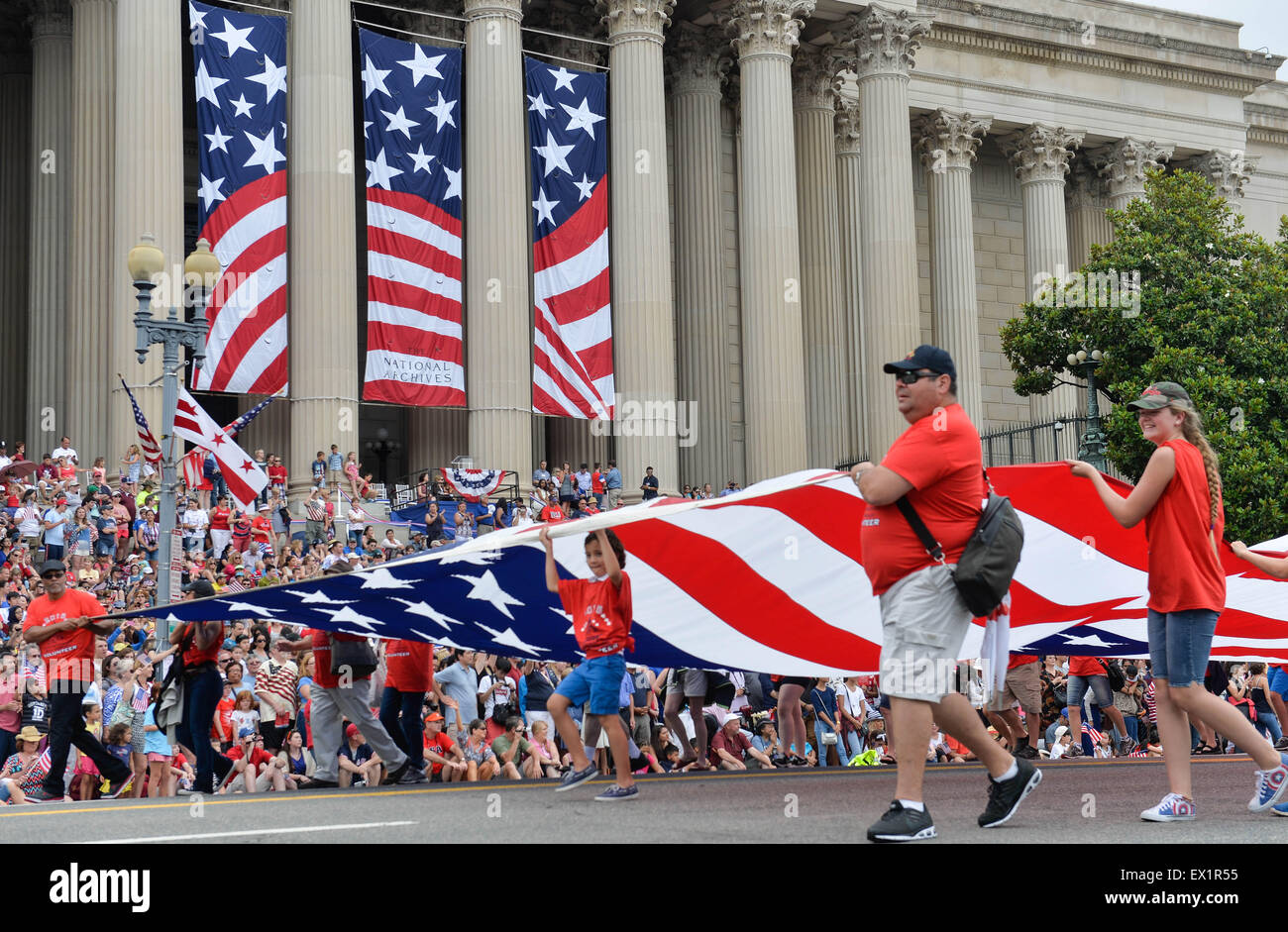 Washington DC USA 4th July 2015 People take part in the Stock