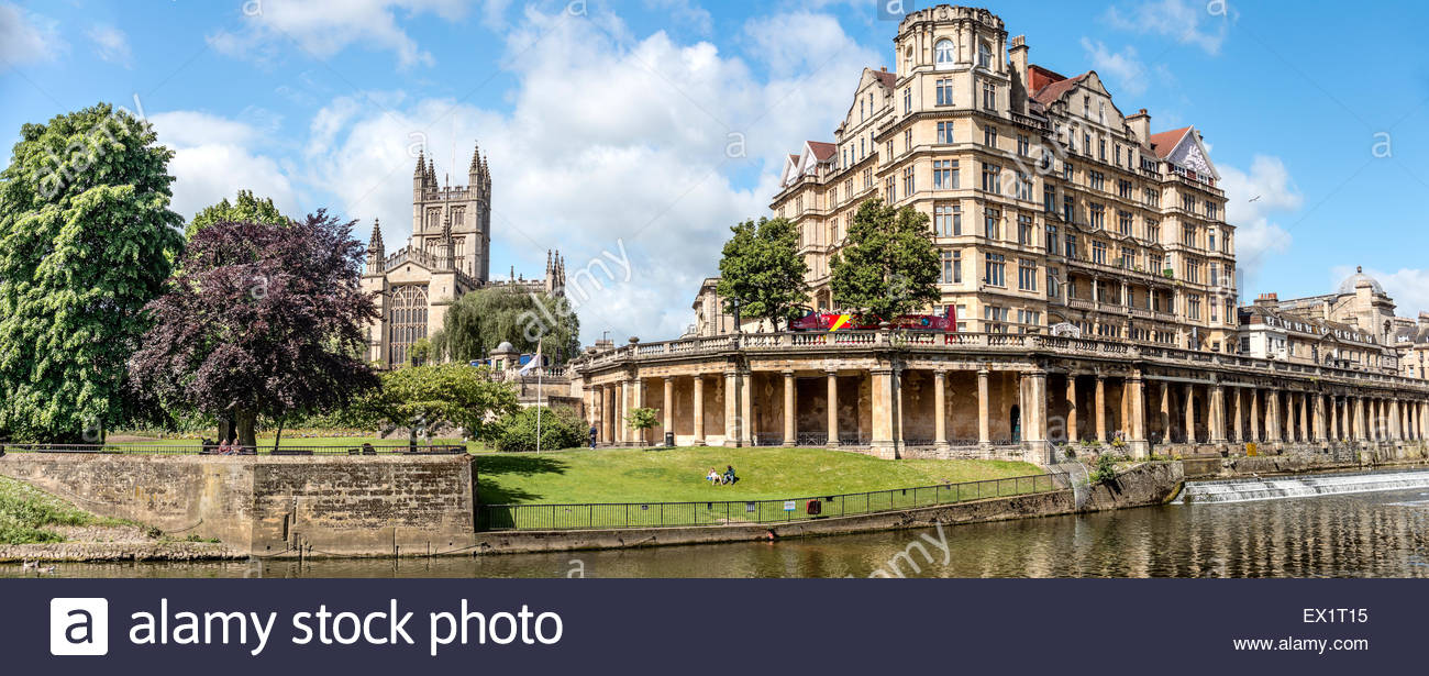 View over the Parade Gardens at the riverbanks of the River Avon, Bath, Somerset, England - Stock Image