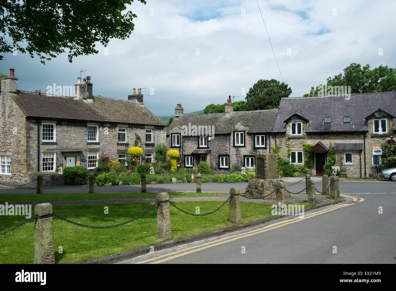 Cottages at Castleton. peak district national park Derbyshire England - Stock Image