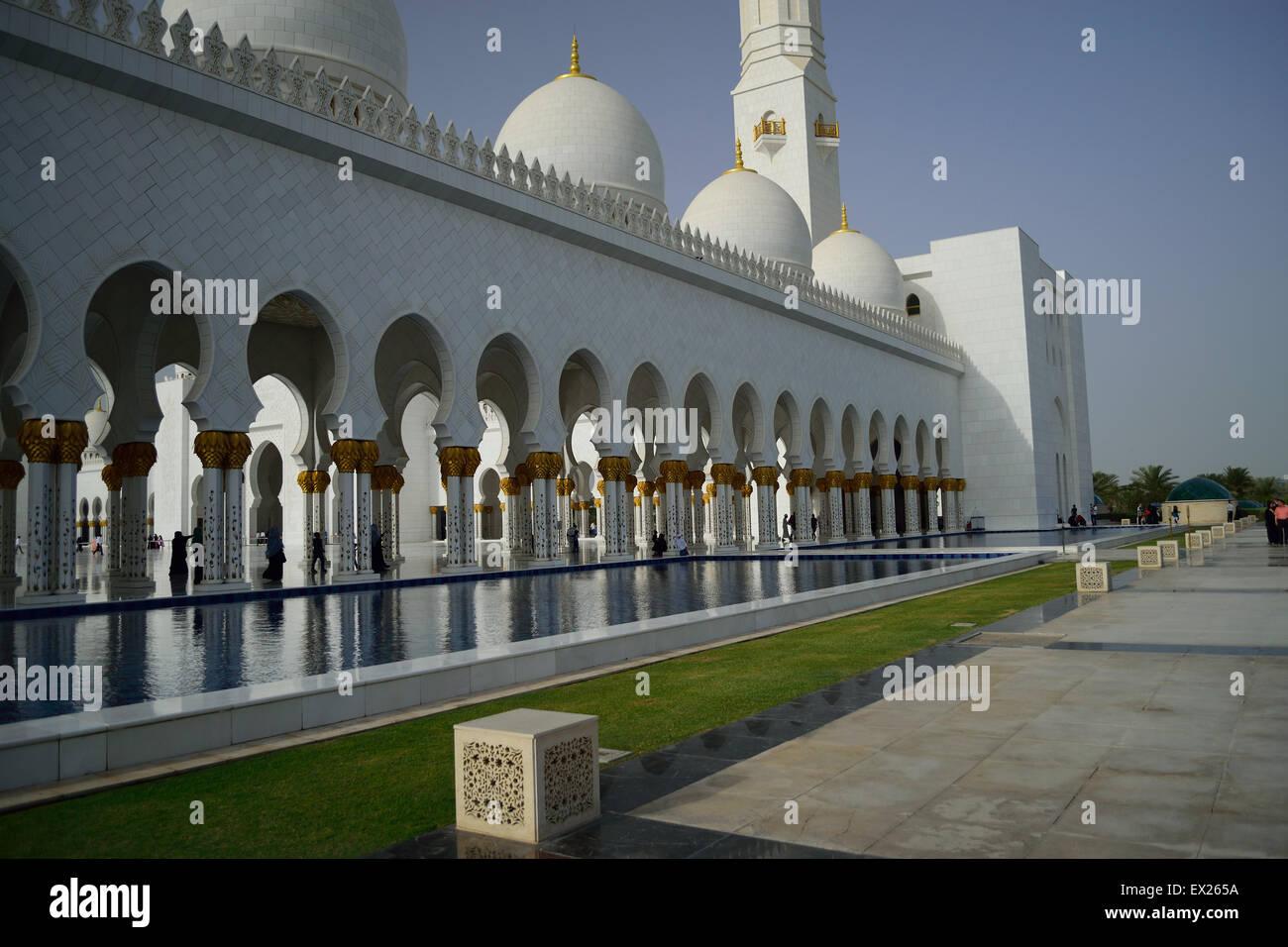 Sheikh Zayed Mosque - Abu Dhabi - Stock Image