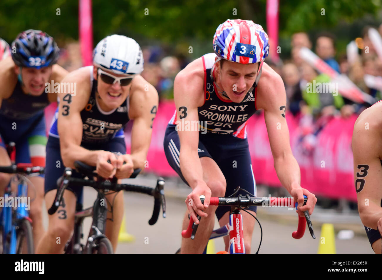 Jonathan Brownlee cycling in a triathlon - Stock Image