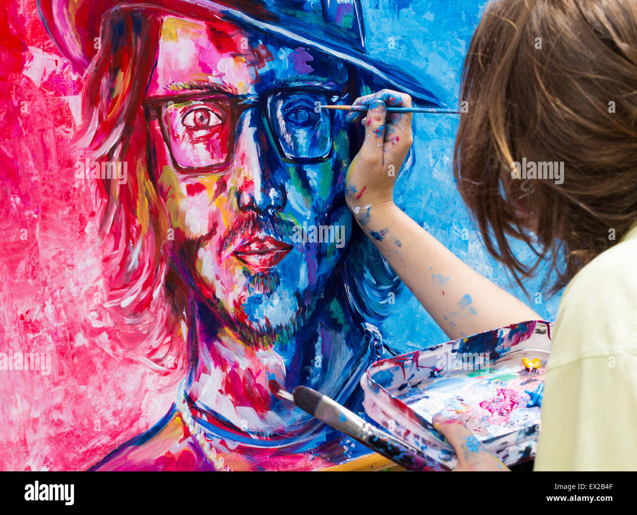 Las Palmas, Gran Canaria, Canary Islands, Spain. 4th July, 2015. Finishing touches to Johnny Depp  portrait as 180 - Stock Image