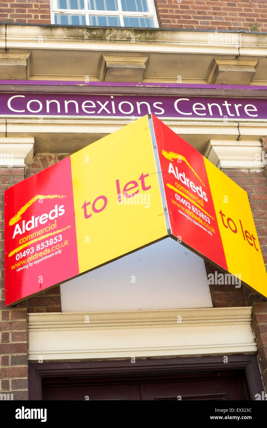 To let sign on vacant Connexions Centre youth services careers advice and guidance building - Stock Image