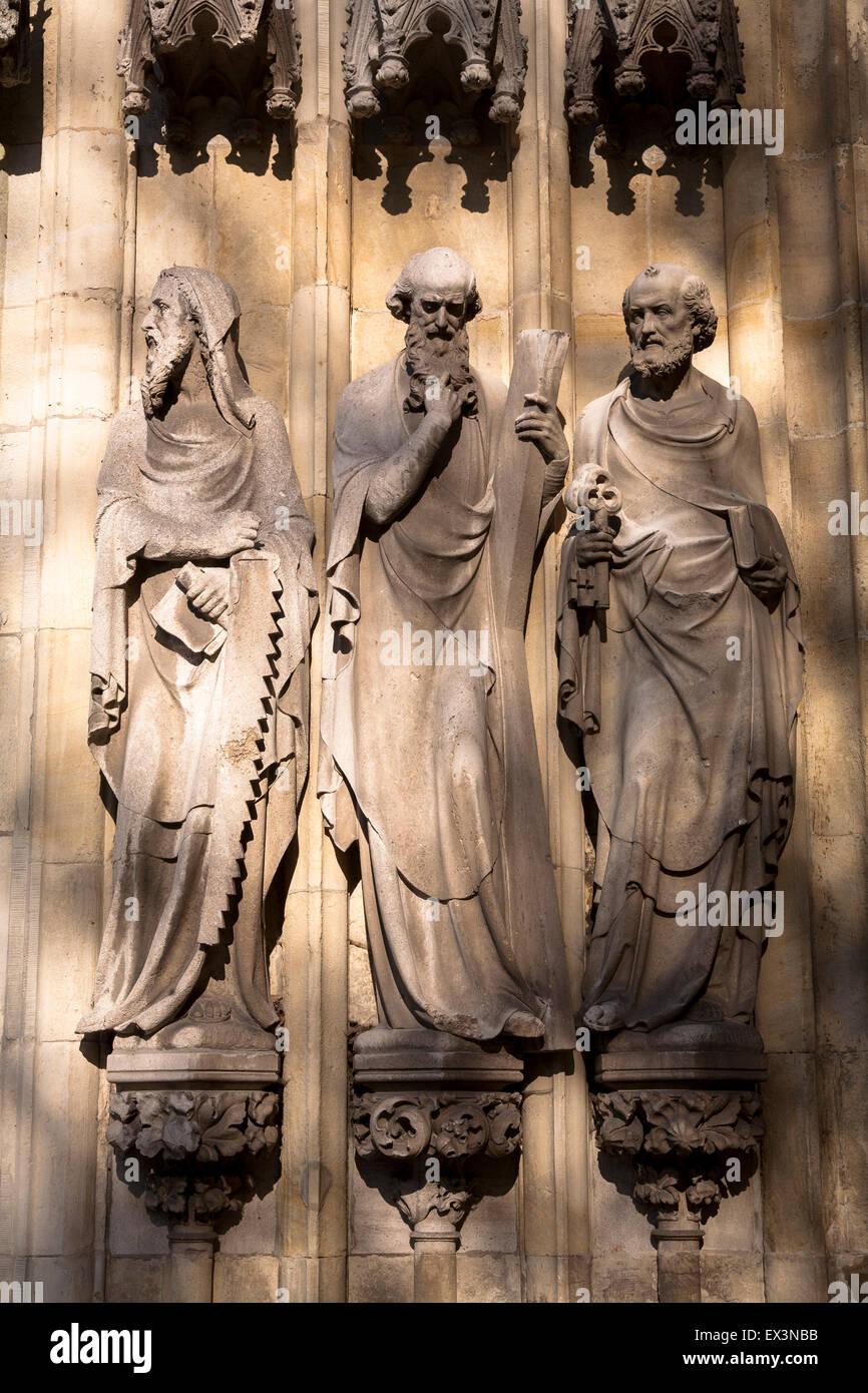 DEU, Germany, North Rhine-Westphalia, Muenster, statues at the portal of the Liebfrauen Ueberwasser church.  DEU, Stock Photo
