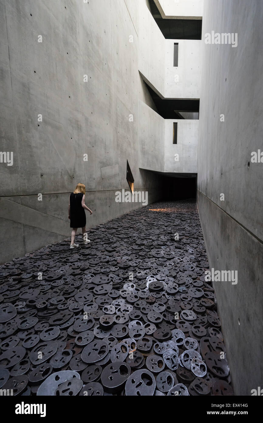 Interior architecture of the Memory Void room at the Jewish Museum in Kreuzberg Berlin Germany - Stock Image