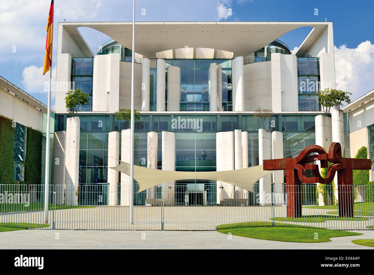 Germany, Berlin: Outside view of the building of the German Chancellery - Stock Image