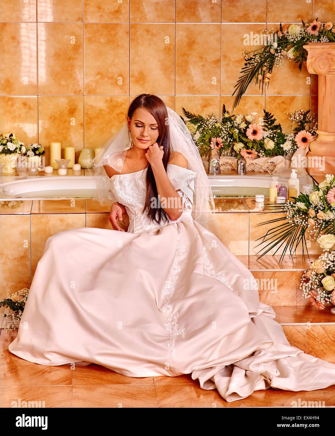 Woman wearing wedding dress Stock Photo: 84923920 - Alamy