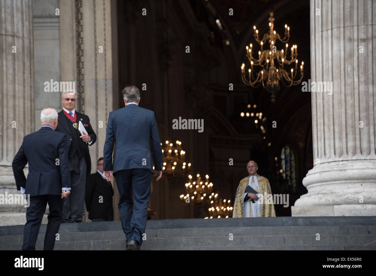 London, UK. 07th July, 2015. 10th Anniversary of London Bombings, UK Prime Minister David Cameron arrives at St Paul's Cathedral for memorial service. London, UK. 7/7, 10 year anniversary, London Bombings, 7th July. Credit:  Peter Manning/Alamy Live News Stock Photo