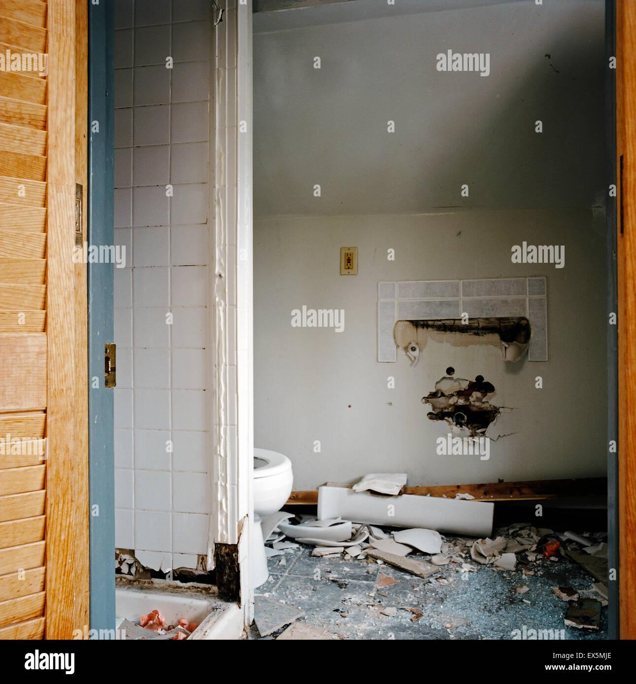 Shower Towel Broke: Broken Toilet Stock Photos & Broken Toilet Stock Images