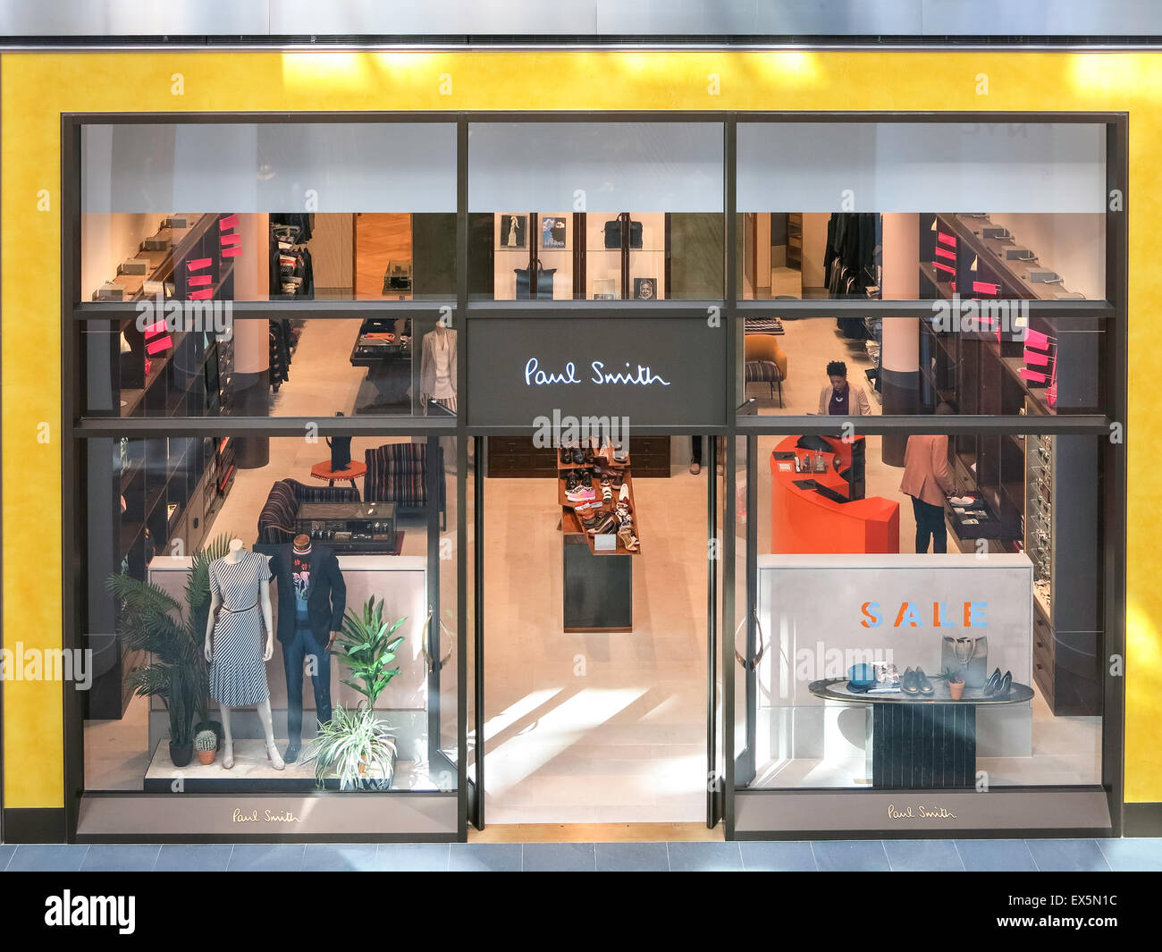 Paul Smith Usa >> Paul Smith Storefront Brookfield Place In Battery Park City