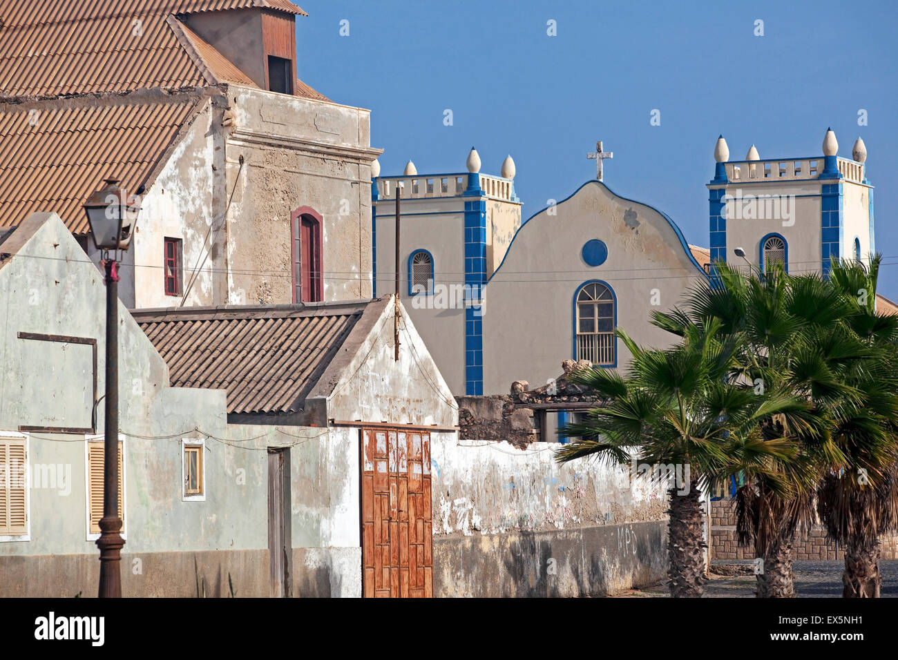 Portugese colonial buildings and Igreja de Santa Isabel Church in village Sal Rei on the island Boa Vista, Cape - Stock Image