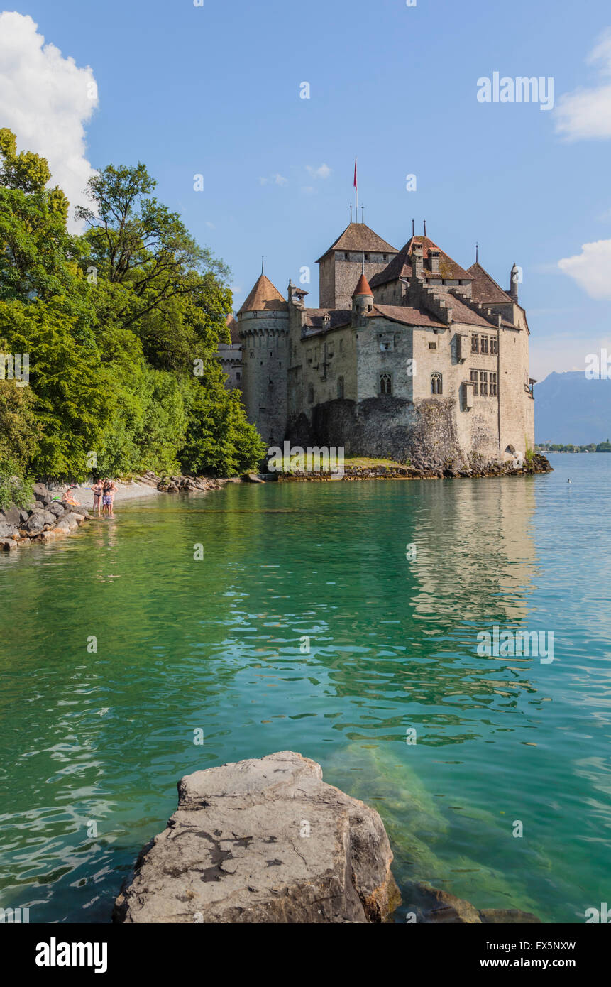 Veytaux, Vaud Canton, Switzerland.  Chateau de Chillon on shore of Lake Geneva (Lac Leman). - Stock Image