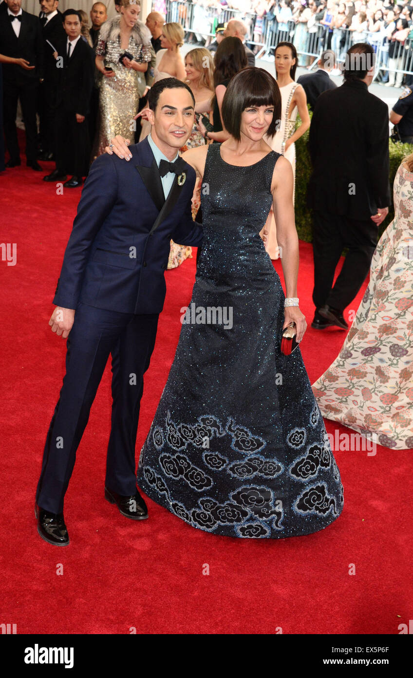 2015 Met Gala - Arrivals  Featuring: Zac Posen, Katie Holmes Where: New York City, New York, United States When: - Stock Image