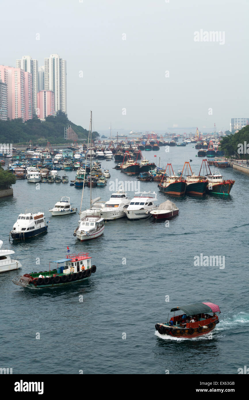 Hong Kong, Hong Kong SAR -November 19, 2014: Fishing boats in Aberdeen harbour in Hong Kong. - Stock Image