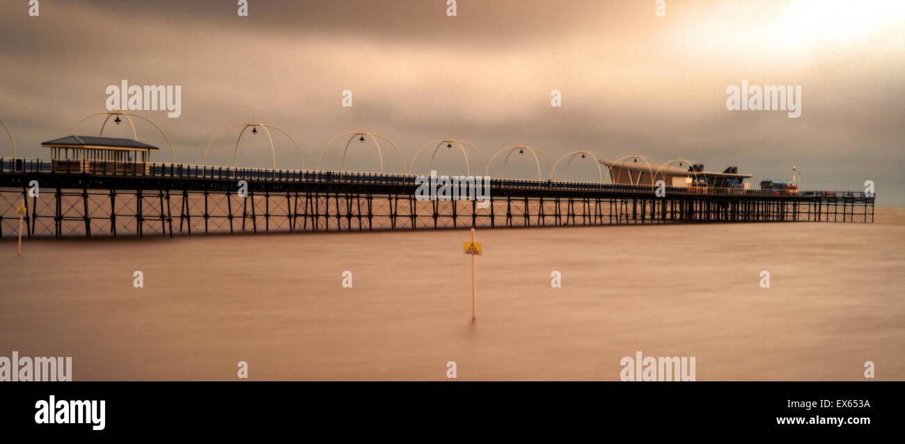 Southport, Merseyside, UK. 08th July, 2015. UK Weather Storm Clouds, Southport, Merseyside. After the recent heatwave - Stock Image