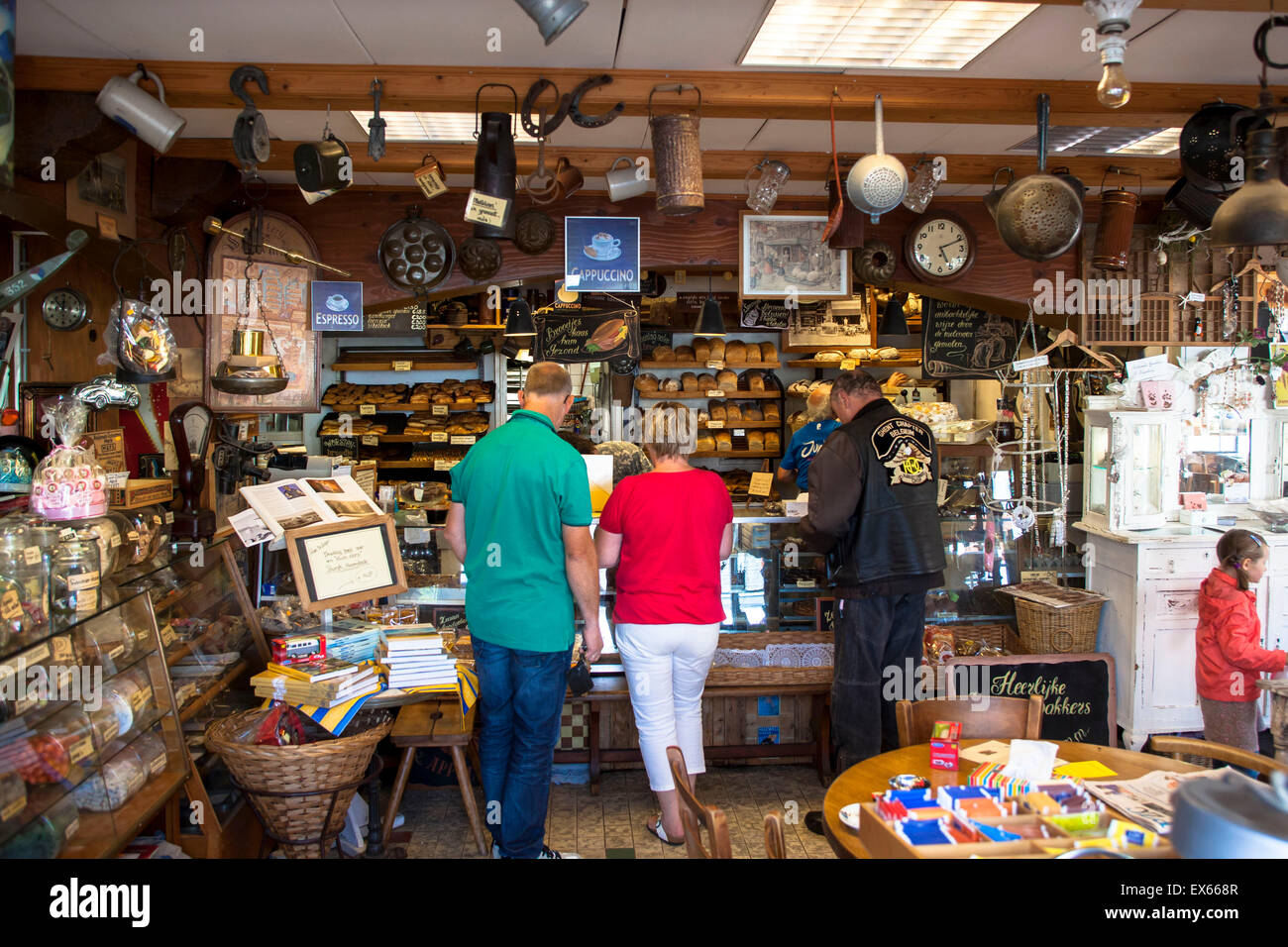Europe, Netherlands, Zeeland, bakery Sonnemans in Burgh-Haamstede at Schouwen-Duiveland, the store and the environment - Stock Image