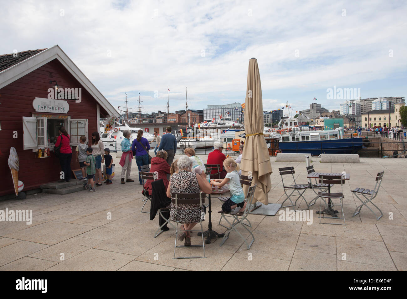 Pappabuene restaurant, Radhusbrygge, Oslo harbour, Oslo sentrum, Oslo, Norway - Stock Image