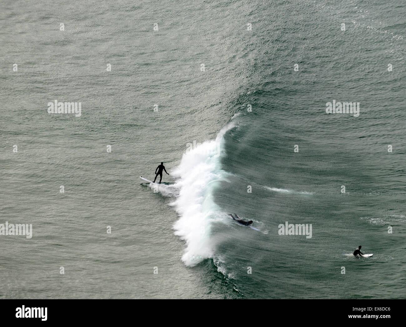 Surf surfers surfing wild atlantic way west coast RM ireland - Stock Image