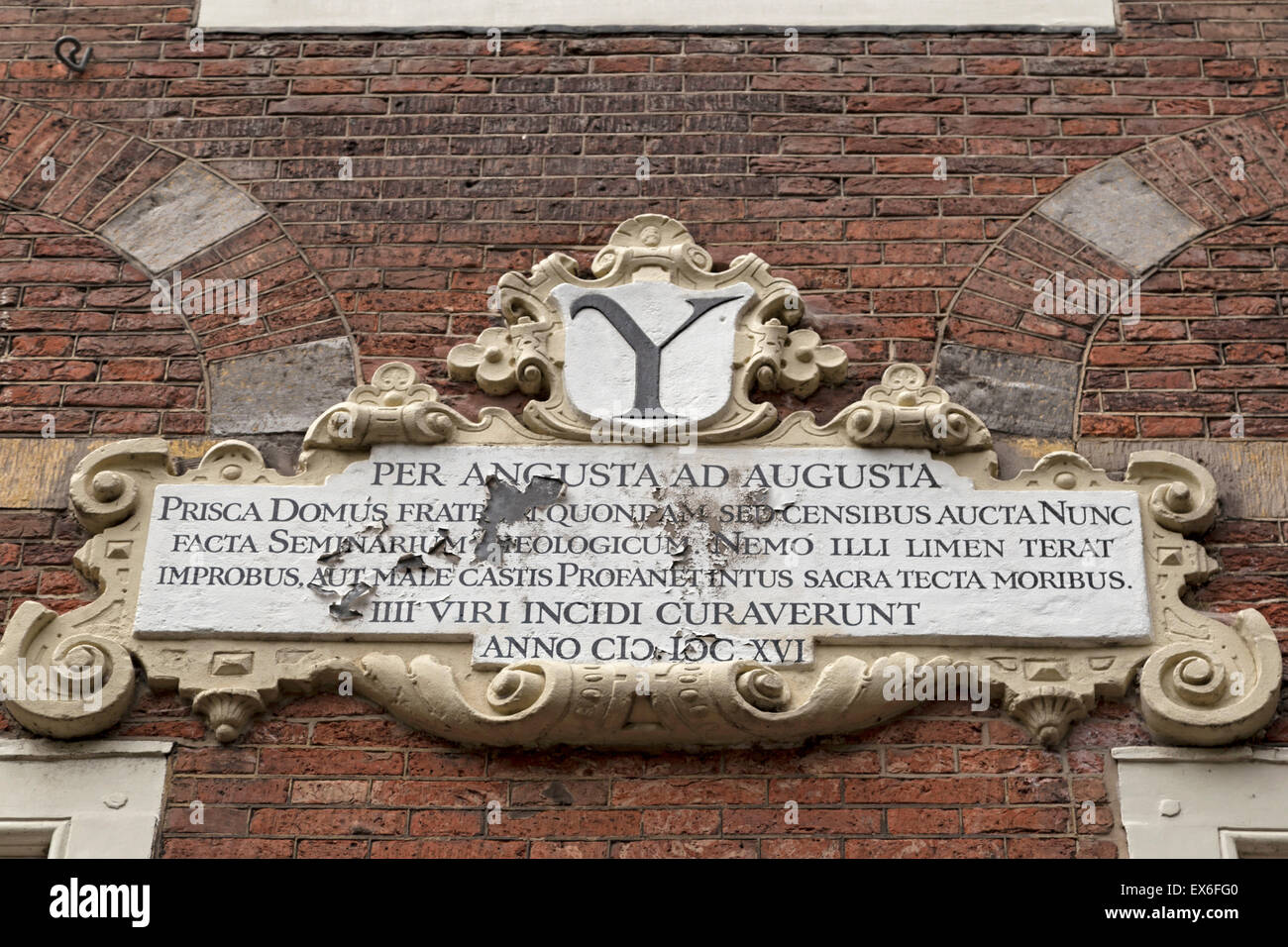 Stone tablet of the Latin School, ( 1807 -1816 ) at  ''The Arms of Savoy'', Oude Delft, Delft, South - Stock Image