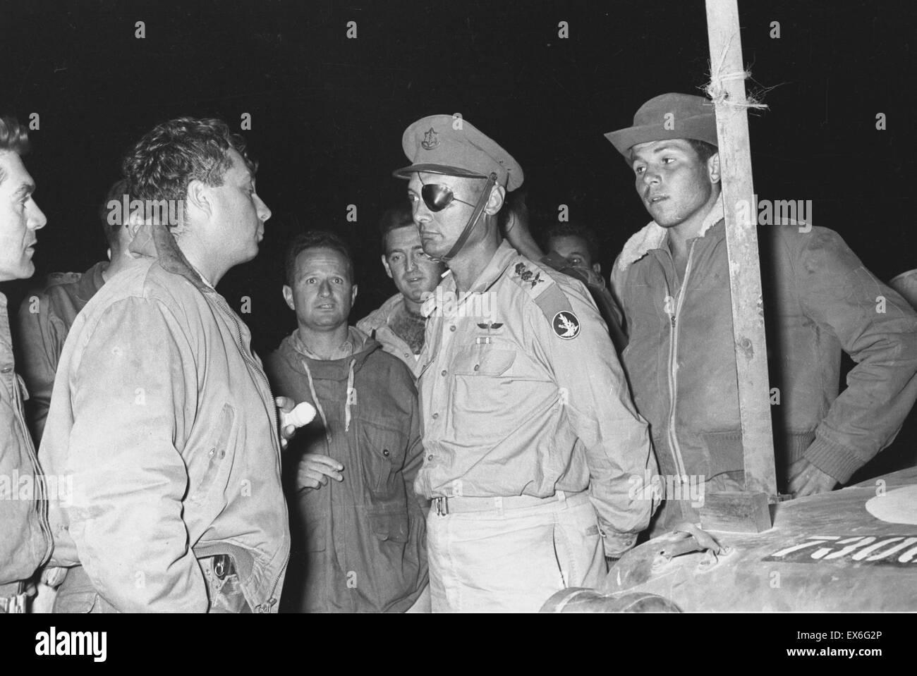 Suez campaign 1956, Colonel David Elazar, Colonel Ariel Sharon, Colonel Uzi Narkis General Moshe Dayan - Stock Image