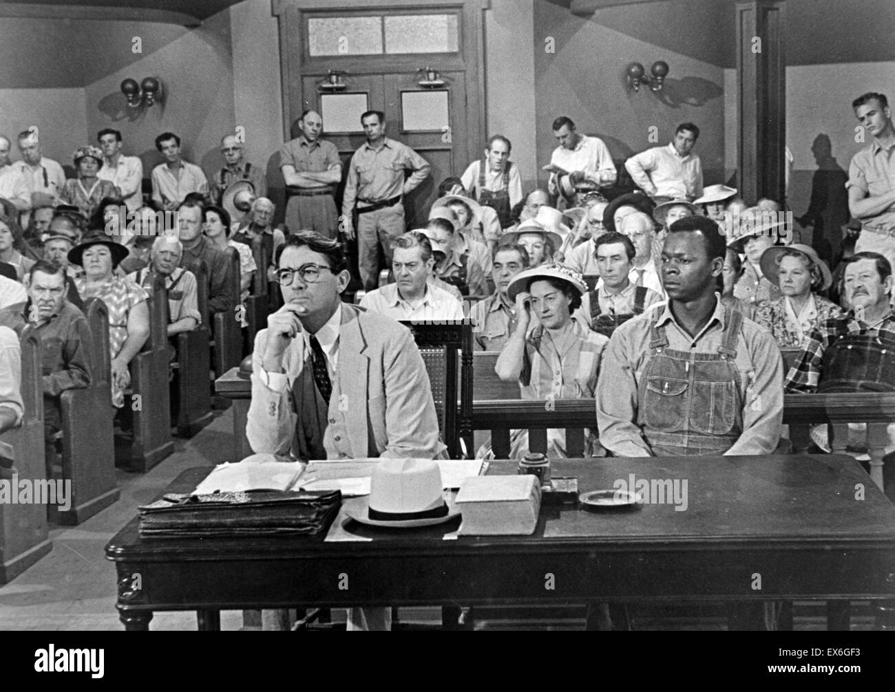 Film still from 'To Kill a Mockingbird' with Gregory Peck's (1916-2003) character, Atticus, is on trial. - Stock Image