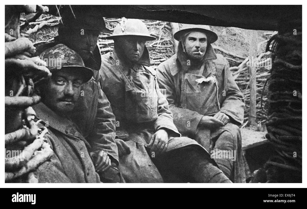 First World War British soldiers in a trench 1914 - Stock Image