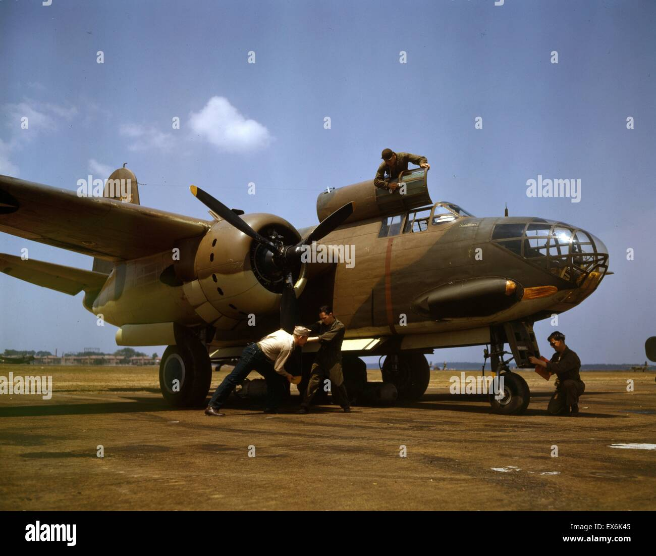 Colour photograph of the servicing of an A-20 bomber, Langley Field, Virginia. Photographed by Alfred T. Palmer. - Stock Image