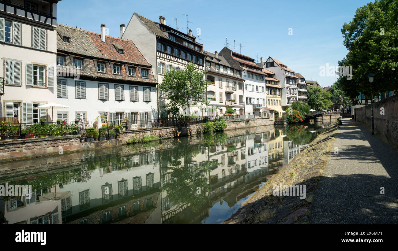 Houses on the River Ill Strasbourg France -1 - Stock Image